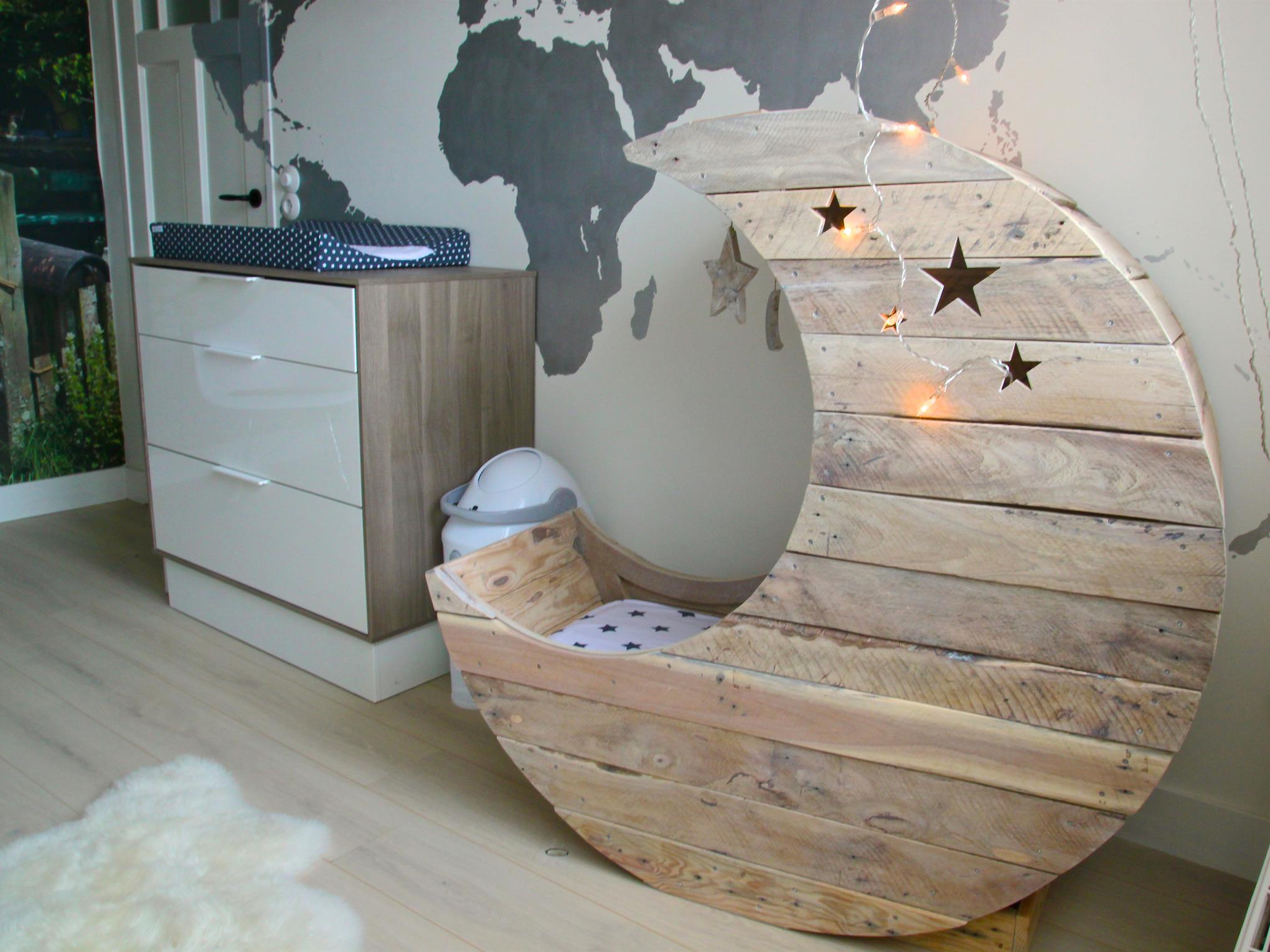 holdacska bölcső gyerekbútor