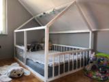 fehér házikó ágy